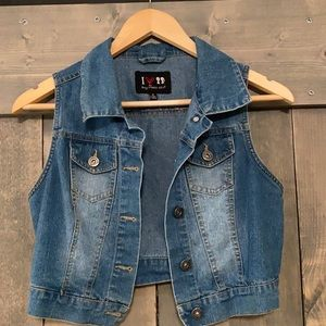 Boy Meets Girl cropped denim vest size small